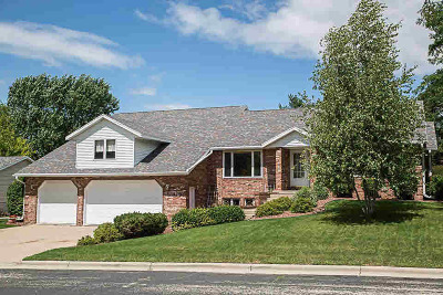 Jefferson County Single Family Home For Sale: 210 Nadig Dr