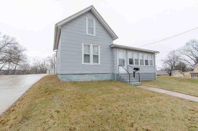 Waterloo Single Family Home For Sale: 199 W Polk St