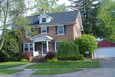Waterloo Single Family Home For Sale: 767 E Madison St