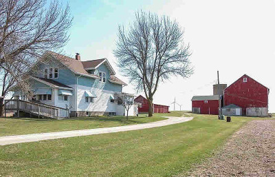 Dodge County Single Family Home For Sale: N11956 Center Line Rd