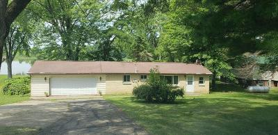 Dodge County Single Family Home For Sale: N4903 Spearhead Trl