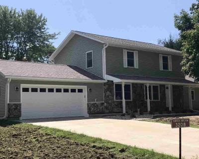 Milton Single Family Home For Sale: 3208 E Dix Dr
