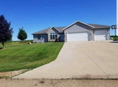 Dodge County Single Family Home For Sale: W10789 Mikard Rd