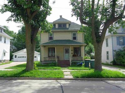 Dodge County Single Family Home For Sale: 309 De Clark St