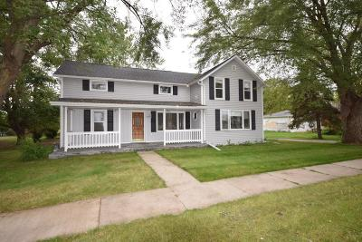 Dodge County Single Family Home For Sale: 513 Main St