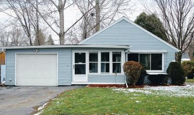 Dodge County Single Family Home For Sale: 911 Highland Ave