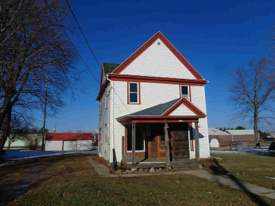 Dodge County Single Family Home For Sale: 209 Center St