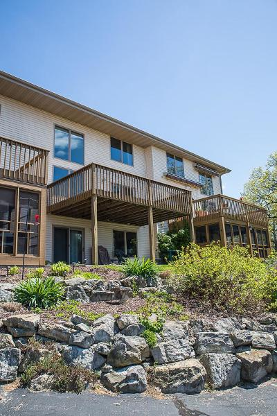 Jefferson County Condo/Townhouse For Sale: N759 #2 Waubunsee Trail