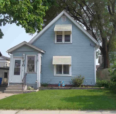Jefferson County Single Family Home For Sale: 210 E Milwaukee St