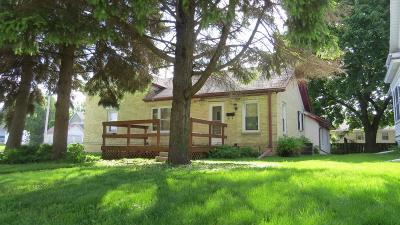 Jefferson County Single Family Home For Sale: 310 S Sixth St