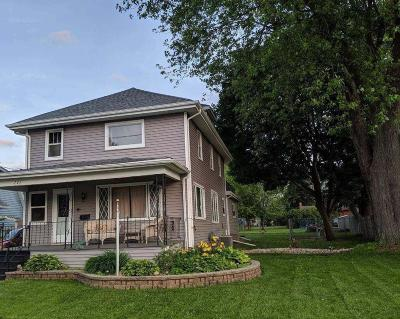 Waupun Single Family Home For Sale: 721 Park St Street