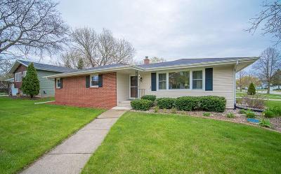 Fond Du Lac Single Family Home For Sale: 916 Mequon Ave Avenue