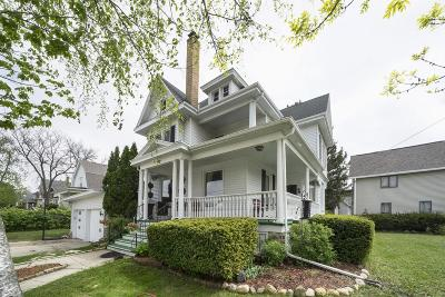 Dodge County Single Family Home For Sale: 102 North Main St Street