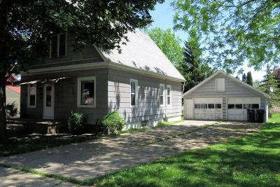 Mayville WI Single Family Home For Sale: $64,900
