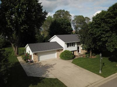 Dodge County Single Family Home For Sale: 513 Mary Knoll Ln Lane