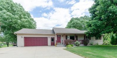 Dodge County Single Family Home For Sale: 809 Jamesway Dr Drive