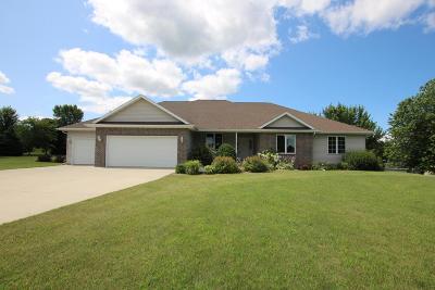Fond du Lac County Single Family Home For Sale: W3853 Stoneridge Dr Drive