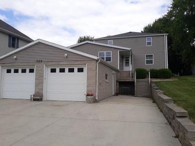 Fond du Lac County Single Family Home For Sale: 209 East Railroad Ave Avenue