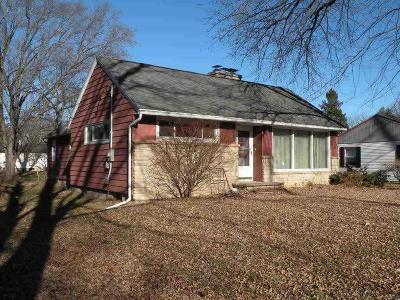 Ripon Single Family Home For Sale: 212 West Oshkosh St Street