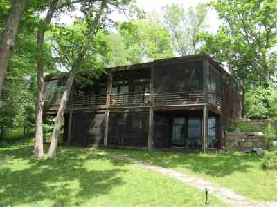 Green Lake County Single Family Home For Sale: W3011 Hillside Rd Road