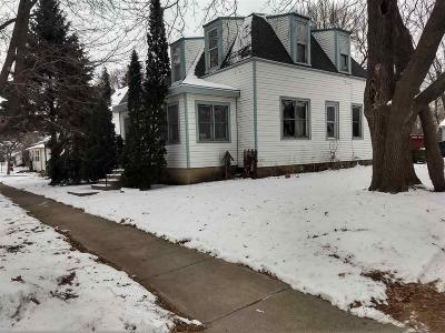 Markesan Single Family Home For Sale: 50 North High St Street