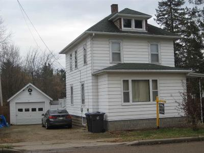 Markesan Single Family Home For Sale: 152 West John St Street
