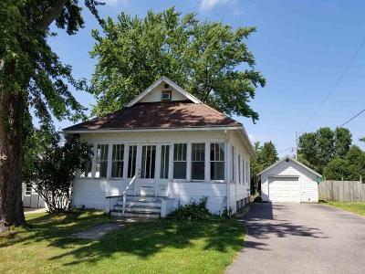 Markesan Single Family Home For Sale: 153 Charles St Street