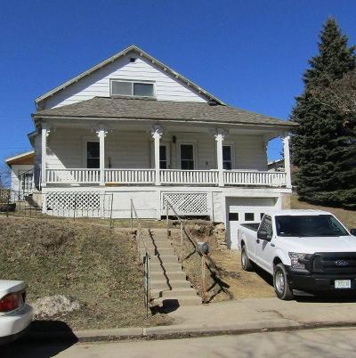 Ripon Single Family Home For Sale: 136 West Lane St Street