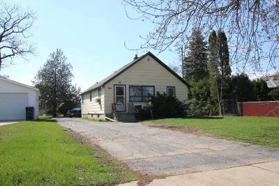 Dodge County, Fond Du Lac County Single Family Home For Sale: 366 South Hickory St Street