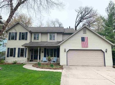 Dodge County Single Family Home For Sale: 807 Lake Shore Dr Drive