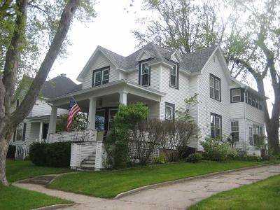 Markesan Single Family Home For Sale: 240 North Bridge St Street