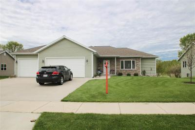 Dodge County Single Family Home For Sale: 712 Marsh Tr