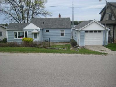 Markesan Single Family Home For Sale: W2066 Melmar Dr Drive