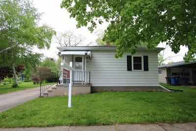 Omro Single Family Home For Sale: 322 Adams Ave Avenue