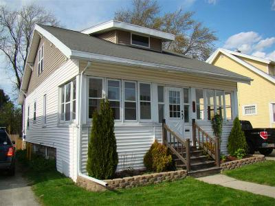 Waupun Single Family Home For Sale: 616 East Jefferson St Street