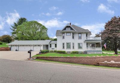 Columbia County Single Family Home For Sale: 401 Chestnut St Street