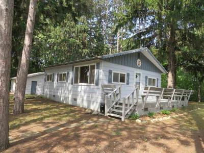 Green Lake County Single Family Home For Sale: N4803 North Lakeshore Dr Drive