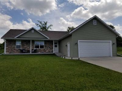 Dodge County Single Family Home For Sale: 107 Prairie View Dr Drive