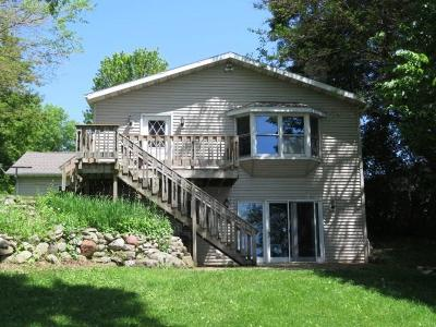 Fox Lake Single Family Home For Sale: W10537 Blackhawk Tr