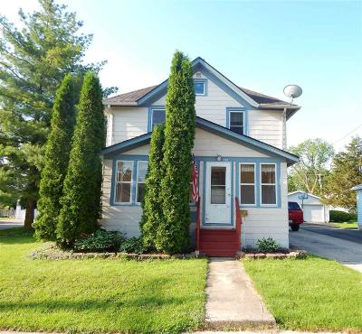 Dodge County Single Family Home For Sale: 229 Walnut St Street