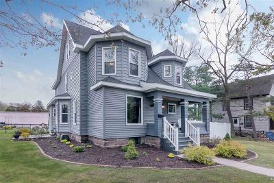 Columbia County Single Family Home For Sale: 924 Capital St Street