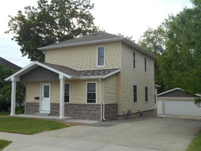 Dodge County Single Family Home For Sale: 619 South Center St Street