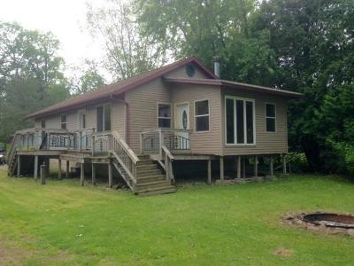 Markesan Single Family Home For Sale: W1722 Fur Dr Drive