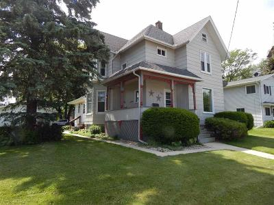 Dodge County Single Family Home For Sale: 829 Madison St Street