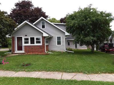 Waupun Single Family Home For Sale: 808 Wilcox St Street