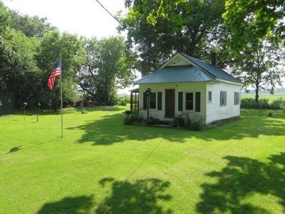 Markesan Single Family Home For Sale: W6895 Puckaway Rd Road