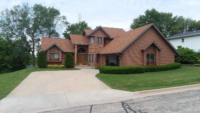 Fond du Lac County Single Family Home For Sale: 560 Russell Dr Drive