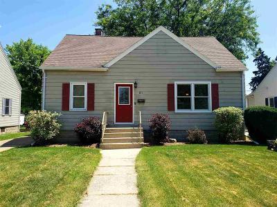 Waupun Single Family Home For Sale: 611 Cochrane St Street