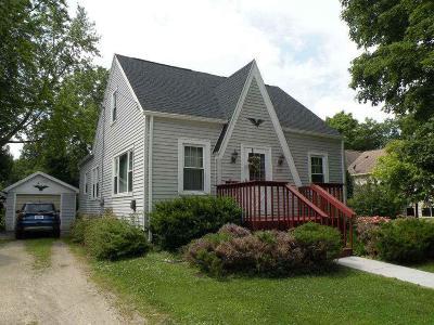 Ripon Single Family Home For Sale: 305 Howard St Street