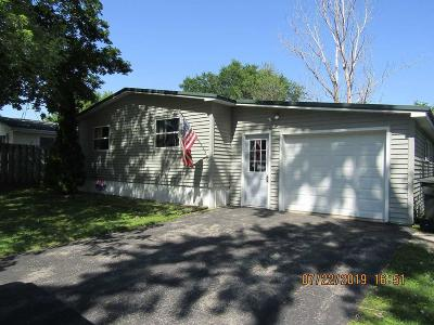 Ripon Single Family Home For Sale: 701 Vermont St Street